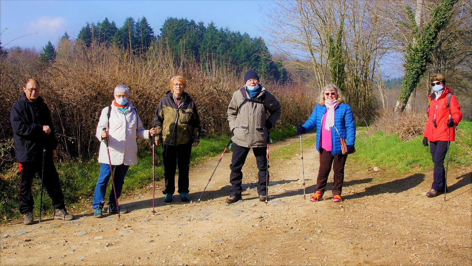 Marcheurs à Ferriéres sur Sichon1