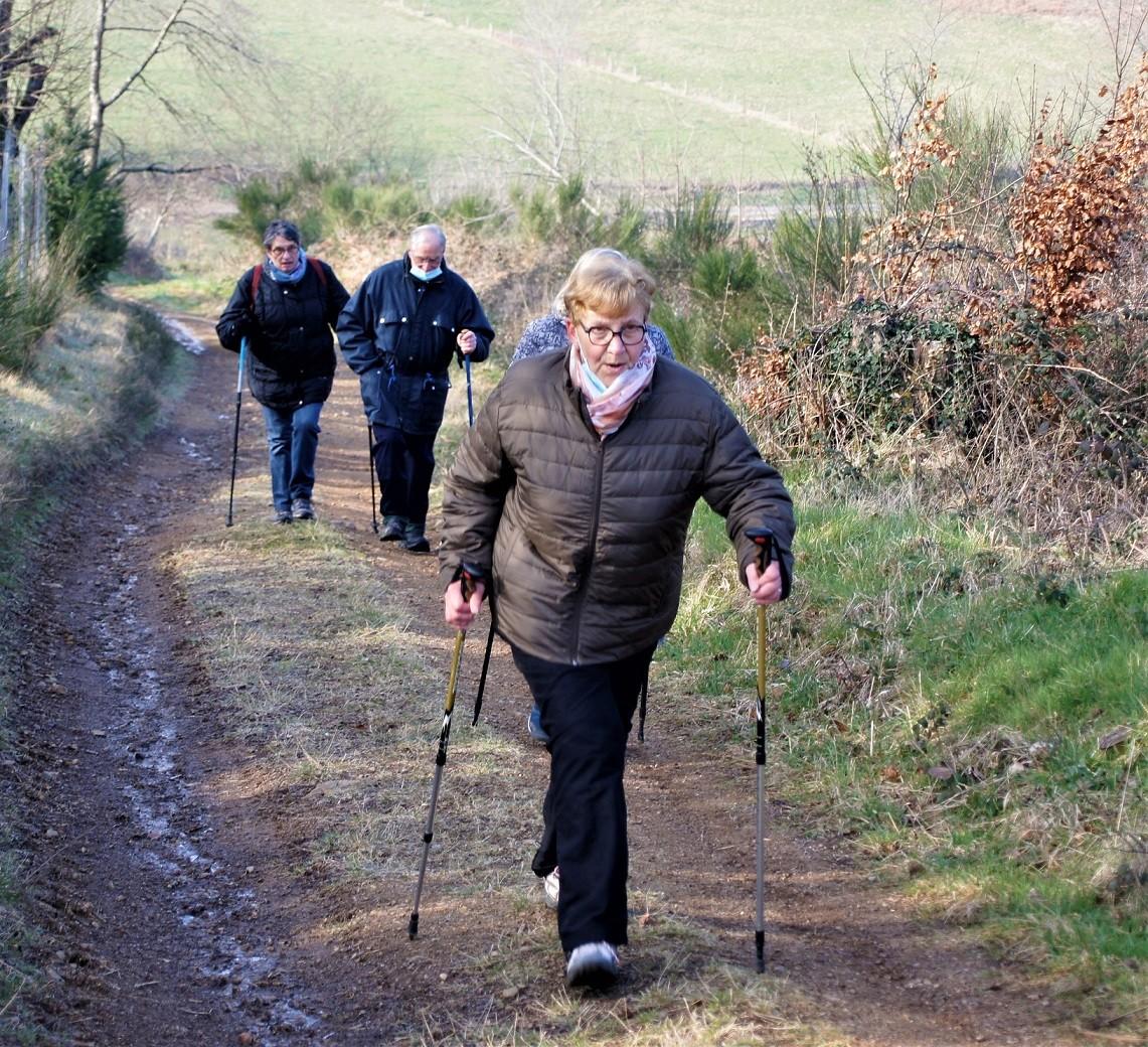 Marcheurs à Ferriéres sur Sichon2