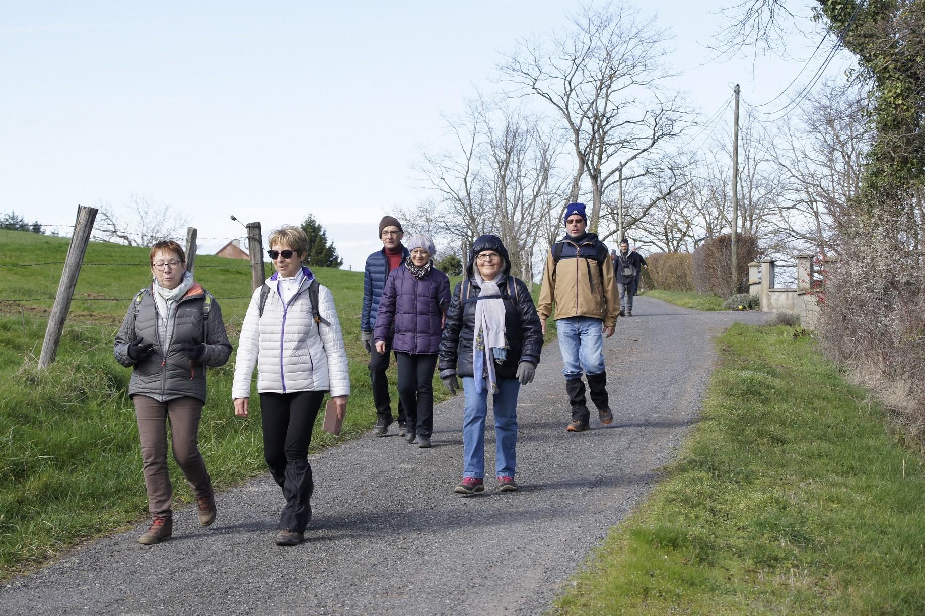 Marcheurs à St Etienne de Vicq